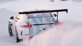تجربه ی فوق العاده از سوار شدن پورشه در زمستان!!