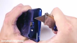 تست مقاومت بدنه HTC U Ultra