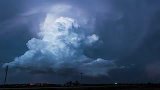 تایم لپس زیبایی از حرکت ابرها