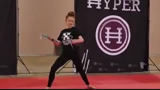 مبارزه دختر و پسر در ورزش هایپر تریکینگ جذاب و دیدنی