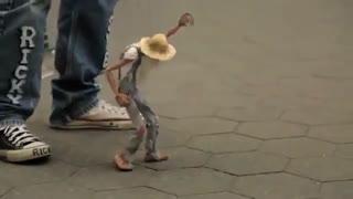 هنر عروسک گردانی خیابانی