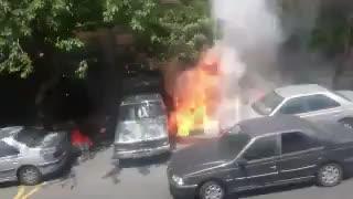 ویدیویی درباره آتشسوزی زنجیرهای خیابان پلیس #تهران