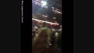 بچه ها میگن موقع رخ دادن انفجار تو کنسرت اریانا اهنگ مایکل جکسون داشته پخش میشده ینی چییی:||||چراا