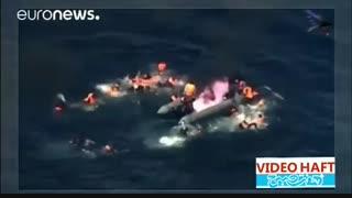 لحظه آتش گرفتن قایق مهاجران در نزدیکی سواحل اسپانیا