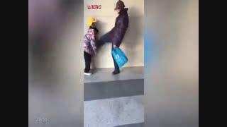 کودک آزاری زنان (ضرب و شتم کودک توسط سرپرست زن بچه)