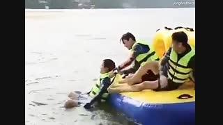 امده ام بایک خبر رای گیری اکسوال هابفرمایید توضیحات.ویدیو از قایق سواری چن و کیونگسو وکای