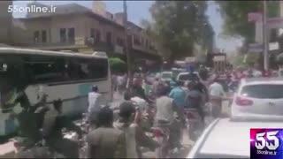 گرداندن جنازه های منتسب به داعش روی تریلی  (+18 )