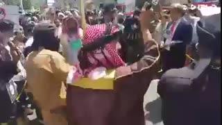 تمسخر رقص شمشیرسعودی هاوترامپ درراهپیمایی روزقدس