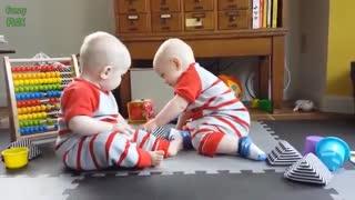دنیای زیبای کودکان دوقلو  ...!!!