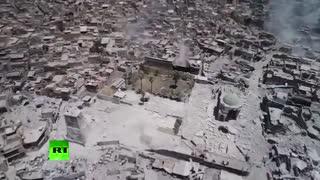 موصل در خرابه: چشم انداز پرنده ای از شهر قدیمی و مسجد خراب شده توسط داعش