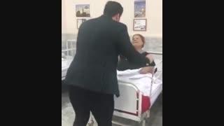 عیادت از مامانی با حال  و سرزنده  رو تخت بیمارستان