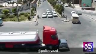 رخ دادن تصادف به علت قرار گرفتن پراید در نقطه کور راننده کامیون