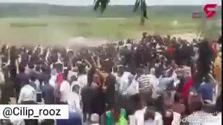 مراسم تشیع جنازه آتنا اصلانی ....