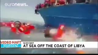 نجات پناهجویان در آبهای مدیترانه