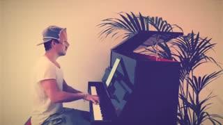 اجرا پیانو آهنگ Happier از Ed Sheeran