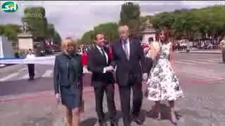 چشم چرانی های خنده دار دونالد ترامپ و همسر امانویل مکرون