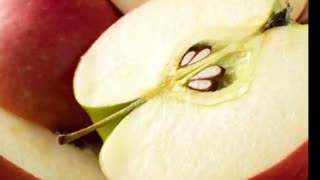هیچ وقت دانه سیب را نخورید