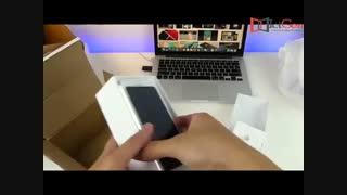 تماشا کنید : بازگشایی جعبه آیفون 8 سفید
