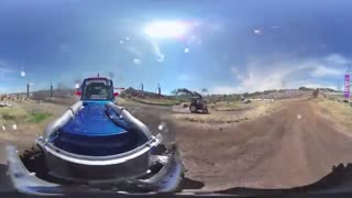 ویدیو 360 درجه : مسابقه تراکتور سواری