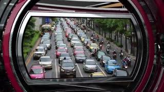 اتوبوسهای ژیروسکوپی چارهای تازه برای حل مشکل ترافیک