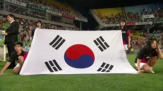 خواندن سرود ملی کره جنوبی با صدای بکهیون اکسو .....         خیلی جالبه.