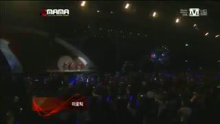اجرای  اکسو و شاینی با اهنگ MAMA, Lucifer درMAMA 2012