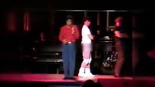 ویدئویی کمیاب از تمرینات گروه مایکل جکسون برای اجرای آهنگ «مجرم زیرک» در تور بد | سال 1988