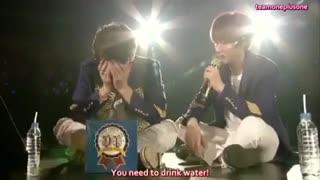 وقتی ایونهیوک میخاد به دونگهه تفاوت میکروفون و آبو یاد بده!!!