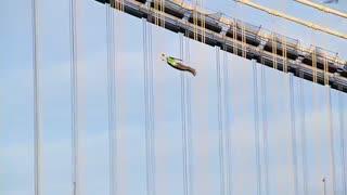 انسان های پرنده در آسمان نیویورک