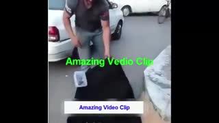 مردی که چادر انداخته سرش گدایی میکنه مردم میگیرنش؟!