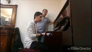 اجرای آهنگی زیبا توسط امیرغفارمنش و پسرش راستین ❤️