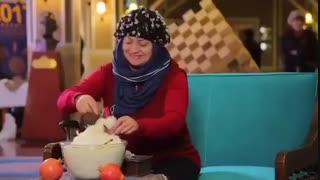 واکنش گردشگران خارجی به پشمک ایرانی