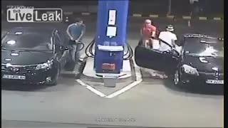 عاقبت سیگار کشیدن در پمپ بنزین