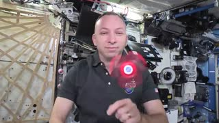 ویدئو یی جالب از بازی  فضانوردان با فیجت  اسپینر
