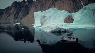یک عاشقانه از یک فیلم ساز در مورد آب شدن یخ های قطبی با تصویربرداری بی نظیر